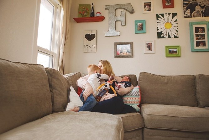 Laicie Lorraine |Colorado Springs in home lifestyle newborn photographer|